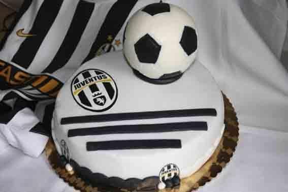 Festa a sorpresa per ascanio for Decorazioni juventus per torte