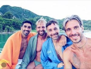 Filippo Magnini, Massimiliano Rosolino, Raoul Bova e Emiliano Brembilla