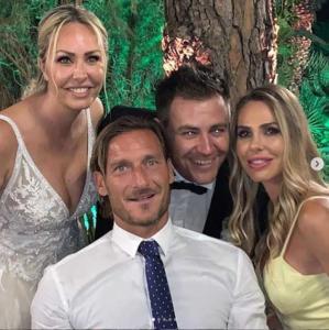 Francesco Totti, Ilary Blasi e gli sposi